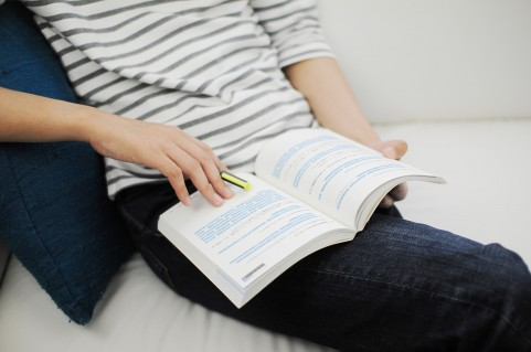 英会話の独学は可能?おすすめ教材とアウトプットは?