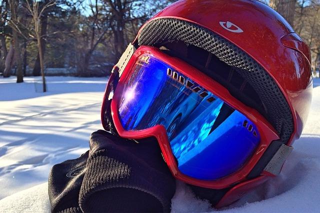 スノーボードゴーグル 眼鏡対応のおすすめとチェックポイント